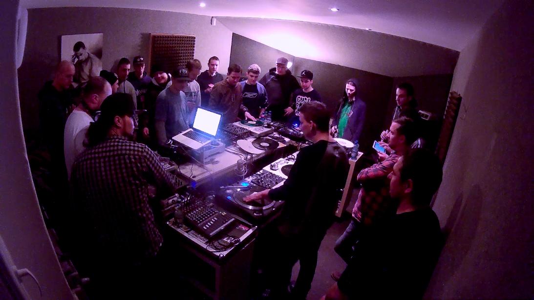 1. scratch session w MaxFloStudiu to prawdopodobnie najwieksza tego typu impreza w Polsce. Fot. Marcin Jakubowski